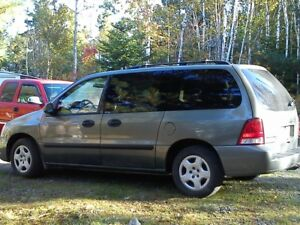 2005 Ford Freestar SE. NEW MVI, 4.2L. CLEAN IN/OUT, NO RUST