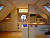 Studio flat in St Lawrence Terrace, London, W10