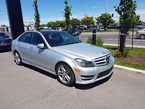 2012 Mercedes-Benz 300-Series Luxury pakage Berline