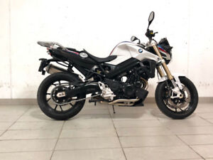 2018 BMW F800R- White/Blue/Red $12,899.99 + HST