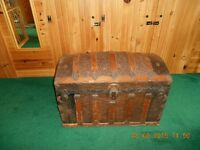 Early 1900 Steamer trunk
