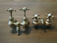 Antique Solid Brass Bathtub Taps With Porcelain Hot and Cold