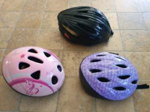 3 casques de vélo