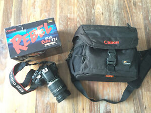 Canon T1I with bag