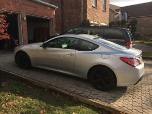 2011 Hyundai Genesis Coupe Premium - With Extended Warranty