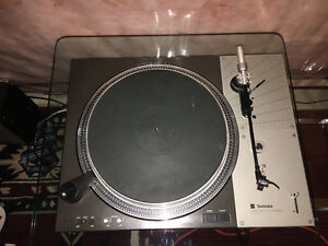 Technics SL 1100 with carbon arms