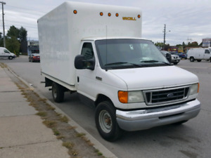 2007 ford e350,5.4 liter gas,12' box!