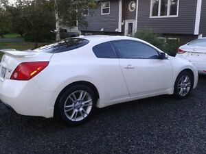 2008 Nissan Altima 3.5 SE Coupe (2 door)