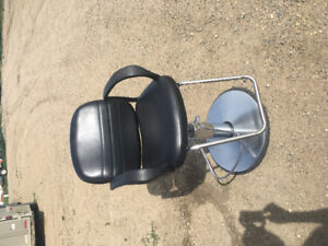 Hairstyling chair for sale!