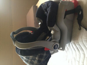 Rear facing Graco Car Seat with Base & Bonus