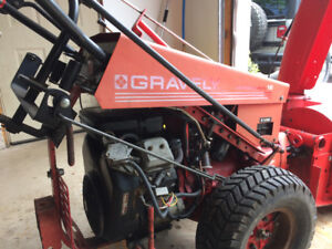 GRAVELY 16HP VTWIN