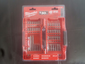 Milwaukee 42 pc driver bit set Brand new in package