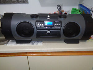 JVC Kaboom RV-NB1 AM - FM - CD - CD-MP3