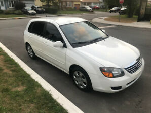 2009 Spectra 5 door hatchback, Manual 5 speed