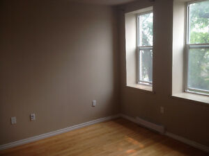 Near HSC- GREAT PRICE Renovated 2bdrm apartment, Includes Water