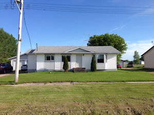 3 bedroom house for rent in Richer Mb