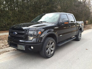 2013 Ford F-150 SuperCrew FX4 One Owner, Low Kms, Very Clean