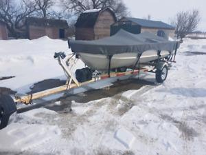 14 foot Alumacraft 25 hp Evinrude
