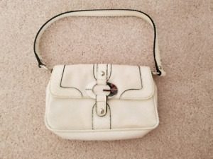 Ladies White Guess Purse - small