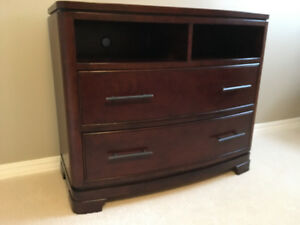Quality TV stand/Entertainment unit.  Great condition
