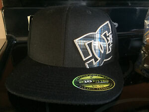 Mens DC fitted hat (s)