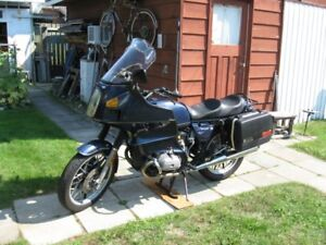 Classic 1984 BMW R80RT Motorcycle
