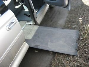 2006 Dodge Grand Caravan Wheelchair  Van Minivan, Van