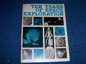 1967 RUSSIAN SPACE BOOKLET-TEN YEARS OF SPACE EXPLORATION!