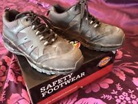 Size 9 dickies steel toe cap black safety shoes/boots
