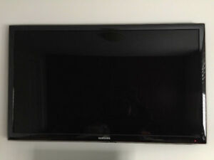 """Samsung 40"""" LED TV with Wall Mounting Bracket"""