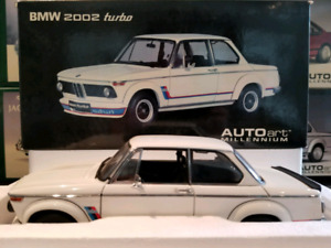 1:18 Diecast Autoart BMW 2002 Turbo White 70501