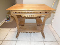 ANTIQUE PALOUR TABLE