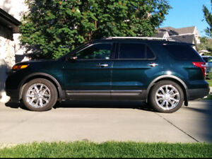 2015 Ford Explorer Limited AWD w/NAV, Leather, Tow and more