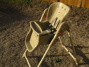 High Chair - Graco Peterborough Peterborough Area image 3