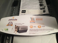 New Petmate Pet Shuttle (25 - 30lbs) with Instruction Manual.