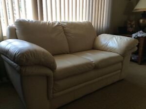 Leather Couch & Loveseat - Very Good Deal Edmonton Edmonton Area image 2