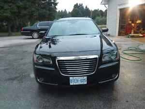 AWD 2013 Chrysler 300s in EXCELLENT CONDITION