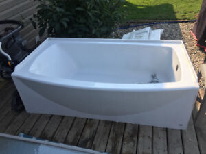Bathtub w/showerhead and double curved rod