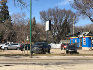 Commercial lot for lease 1327 Idylwyld Drive
