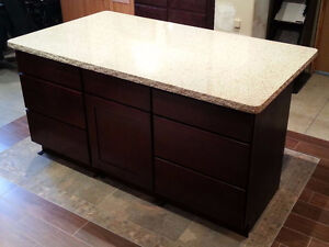 Island cabinets and granite top *REDUCED*