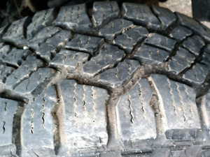 WANTED BFG Ko2 or Goodyear Wrangler tires 265 70 R17