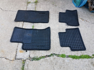 2009 2010 Cadillac SRX front and rear floor mats rubber used