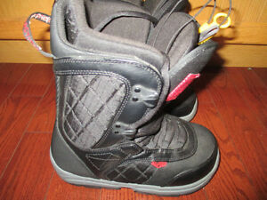 snowboard boots Burton White collection size 5 new condition