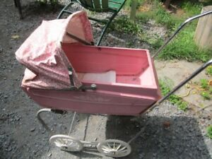 Old METAL   DOLL  STROLLER