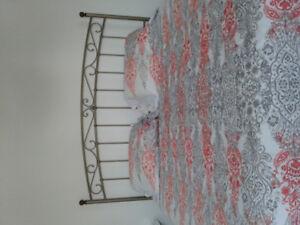 Belle tête de lit à vendre