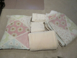 Girl's Twin Bedding Set