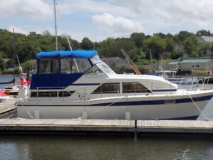 35 foot Chris Craft Cabin Cruiser