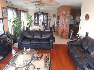 Brossard 14th.fl-3bd-2bath large waterfront condo July 1st lease