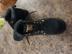 Roots Boots - Black