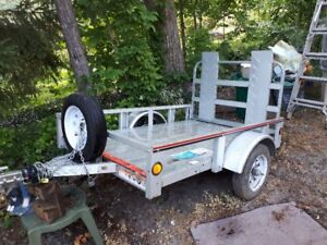Little Trailer with Ramp